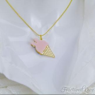 ice-cream bunny necklace pink – close-compressed
